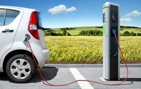 Auto elettrica: contributi per chi vive in Lombardia