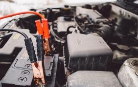Batteria auto: come mantenerla in forma