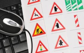 Cambiano gli esami per la revisione della patente: si farà su un tablet