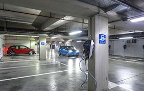 BMW Italia punta sull'elettrificazione della propria sede