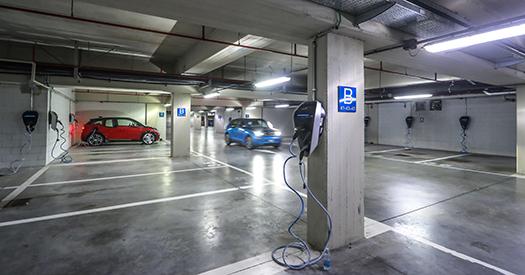 BMW Italia punta sull'elettrificazione della propria sede!