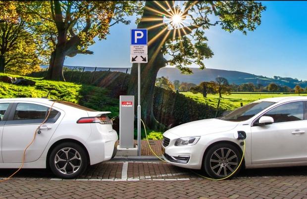 Elettriche e ibride, lubrificazione ad hoc: l'aftermarket lo sa?