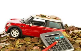 In Italia guidare un'auto costa tanto