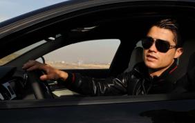 Le 10 auto più costose, amate dai calciatori più pagati