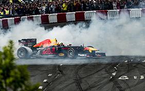Formula 1 - Daniel Ricciardo vince a Shanghai
