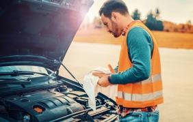 Manutenzione estiva: perché le batterie delle auto soffrono il caldo?