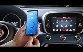 La nuova Fiat 500 rende omaggio al Samsung Galaxy S9