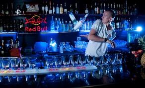 Se fai il barman acrobatico guadagni 400 euro a serata