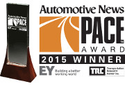 A Federal-Mogul Powertrain due Automotive News Pace Awards 2015