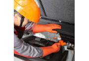 Come riparare un veicolo elettrico in totale sicurezza
