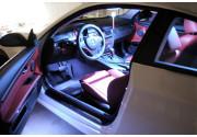 Come sostituire la luce plafoniera dell'auto