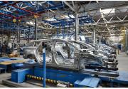Dal laser alle piume: il segreto di Ford per la verniciatura perfetta delle auto