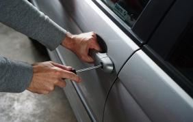 Furti d'auto: 10 consigli per non farsi rubare la macchina