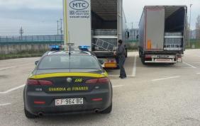 Gasolio di contrabbando: sequestrati 2 autoarticolati
