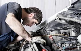 Devi riparare l'auto? Stai attento alle insidie del web