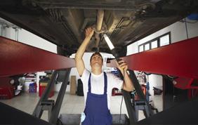 Manutenzione auto, meglio il concessionario o il meccanico ?