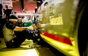Gary Riebesehl è il miglior tecnico di sostituzione vetri al mondo