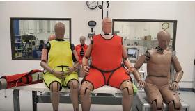 Per i nuovi crash test ora il manichino è anziano e obeso