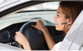 Vietato anche l'uso dell'auricolare in auto