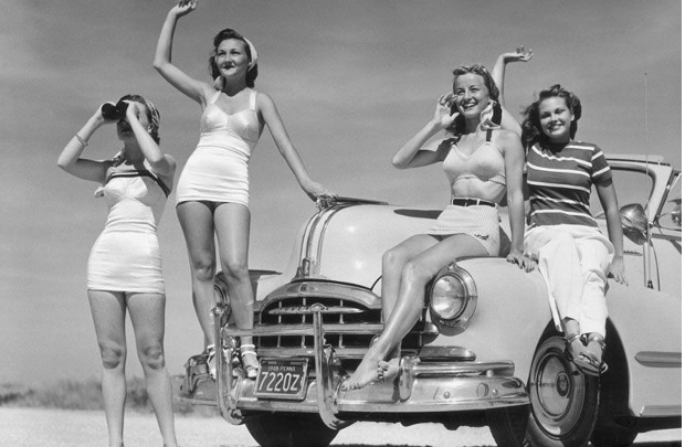 8 Marzo: apertura del Salone di Ginevra e donne in tailleur