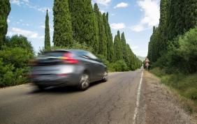 Rivoluzione auto, un solo documento per guidare