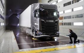 Sali a bordo con noi sulle nuove cabine Scania!