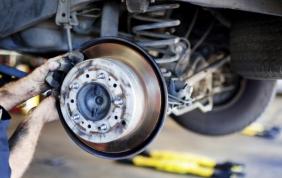 Manutenzione auto: spesi 29 mld nel 2016