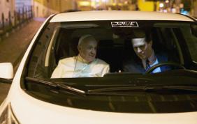Un'auto elettrica per papa Francesco