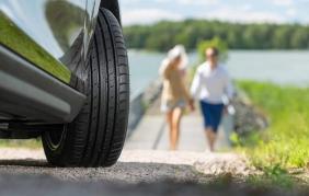 Perché gli pneumatici premium sono più sicuri degli entry-level