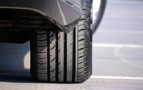 Pneumatici Bridgestone sulla nuova Lexus LS Sedan