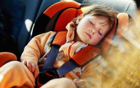 Genitori di tutto il mondo: arriva l'automobile-culla dei sogni!