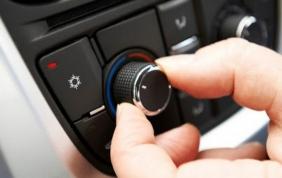 Ricaricare il condizionatore auto: come si fa?