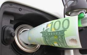 Viaggia leggero: 10 consigli per risparmiare carburante