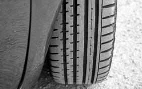 Carta d'identità obbligatoria per gli pneumatici
