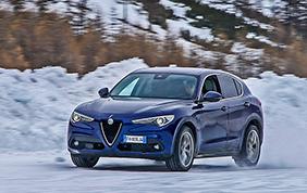 Per l'Alfa Romeo Stelvio arrivano due nuove motorizzazioni