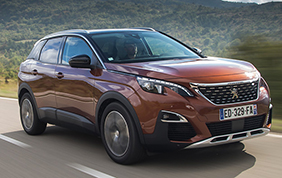 "Peugeot 3008 eletta ""Car of the Year 2017"""