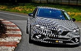 La bellissima Renault Megane R.S. debutta a Montecarlo
