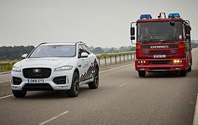 Jaguar Land Rover sperimenta in Inghilterra i suoi veicoli intelligenti