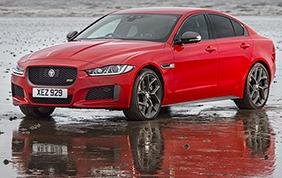Jaguar XE 300 Sport: potenza dell'Ingenium