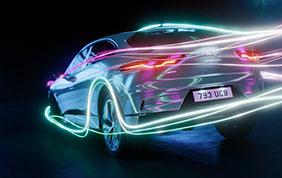 Jaguar Land Rover accelera il processo di elettrificazione