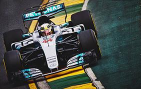 Sul circuito di Montmelò doppietta storica per Mercedes