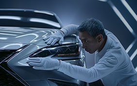 Lexus presenta il primo spot virtuale