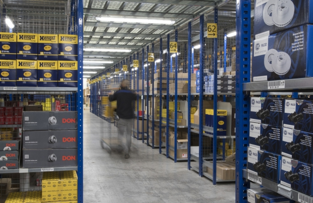 Logistica, Hella amplia e migliora il proprio magazzino