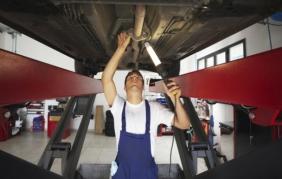 Manutenzione e riparazione auto: spesi 30 miliardi nel 2017