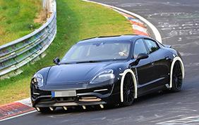 Mark Webber presenta la Porsche Mission E