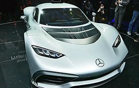 Mercedes-AMG Project One protagonista della Mille Miglia