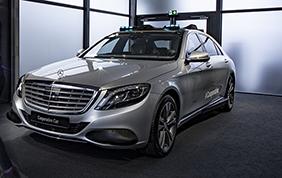 Guida autonoma: da Mercedes ecco la Cooperative Car