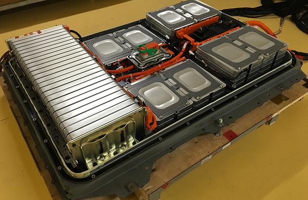 Nissan punta sullo smaltimento delle batteria con la partnership con Sumitomo