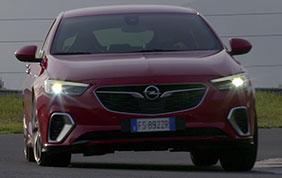 Opel Insignia: consumi ridotti con le nuove motorizzazioni