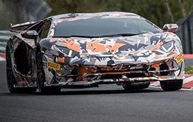 I record Pirelli sul circuito del Nurburgring